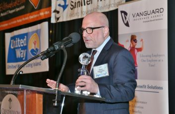 David-Goldstein-presenting-at-Imagine-Awards-1024x679